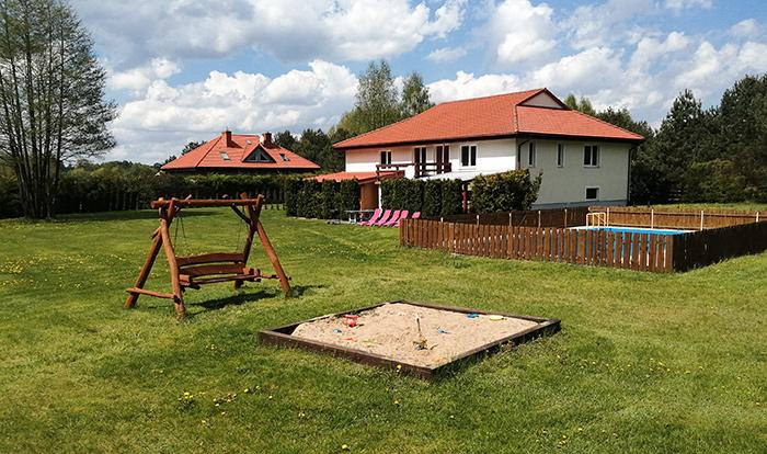 Dom z dużym ogrodem - wynajem całoroczny